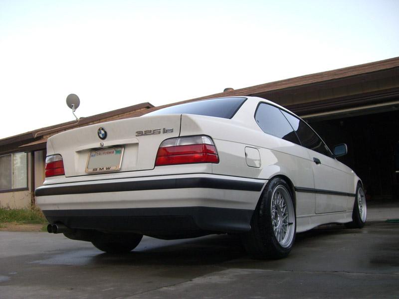 [BMW E36] Bas de caisse à la couleur de la carrosserie CIMG0696